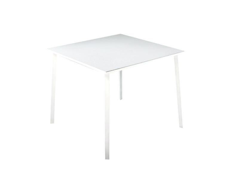 Tavolo Tile di Fast quadrato bianco 871010