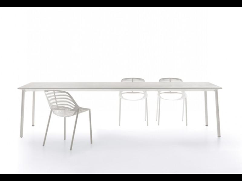 Tavolo Tile di Fast rettangolare grigio polvere arredo 872010