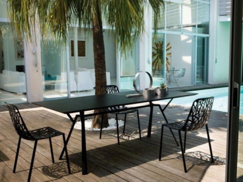 Tavolo rettangolare RADICE QUADRA in alluminio verniciato di Fast arredo
