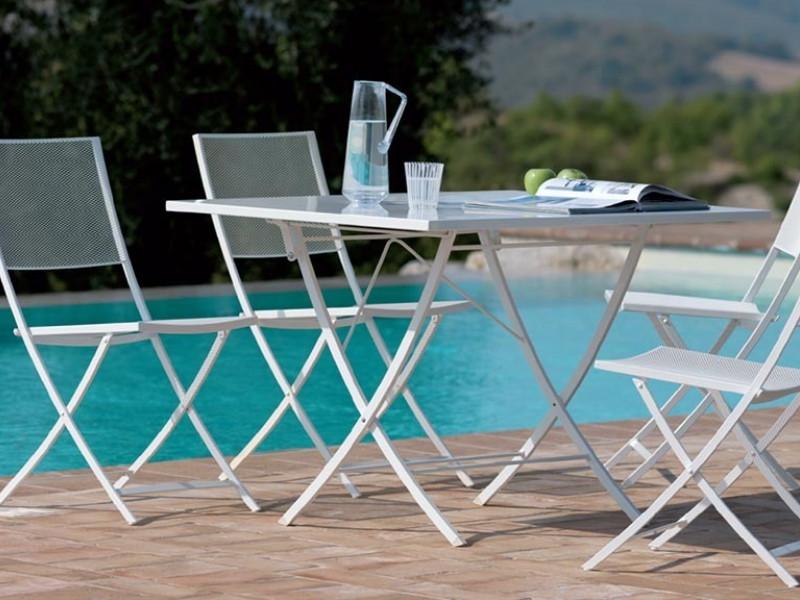Tavolo pieghevole Vermobil modello Vegas arredo piscina